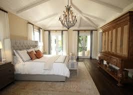 Jak funkcjonalnie i wygodnie urządzić sypialnię